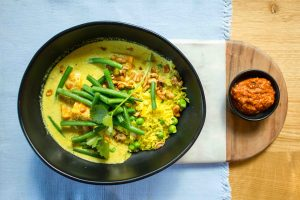 vegan sweet potato and cashew nut curry